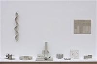 board mit verschiedenen objekten by thomas bayrle