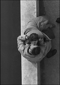 paris couple by frank horvat