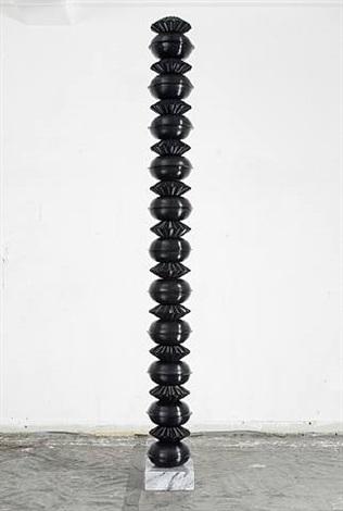schallplatten mit marmorsockel by gregor hildebrandt