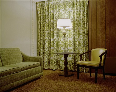 room 110, holiday inn, brainerd, mn, july 11, 1973 by stephen shore