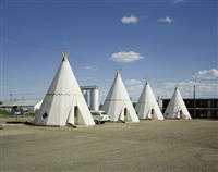 wigwam motel, holbrook, az, august 10, 1973 by stephen shore
