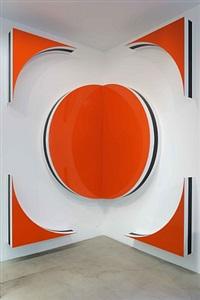 photo-souvenir : 1 carré = 1 cercle + 4 triangles, hauts-reliefs situés h, travail situé by daniel buren