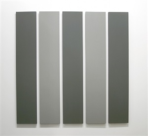 5 part painting in 2 greys by alan charlton