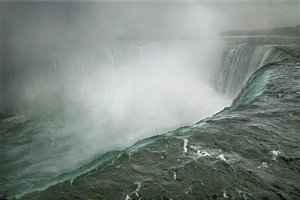 niagara falls, ontario, canada by annie leibovitz
