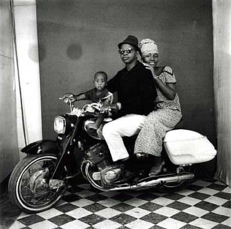 toute la famille à moto by malick sidibé