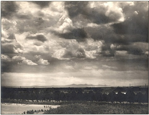 blick auf die sieben berge / view on the seven mountains by august sander
