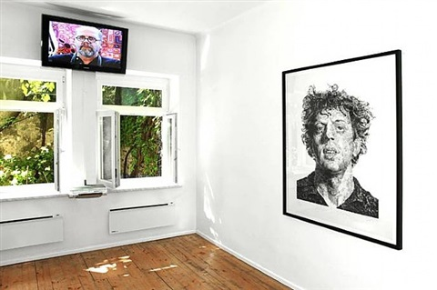 <i>chuck close: phil/fingerprint 2009</i> at white8 showrooms, villach 2012 <br>photo: peter kusstatscher by chuck close