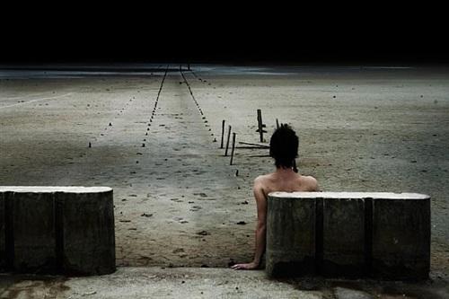 l'allure de qui s'éloigne, série solo by corinne mercadier