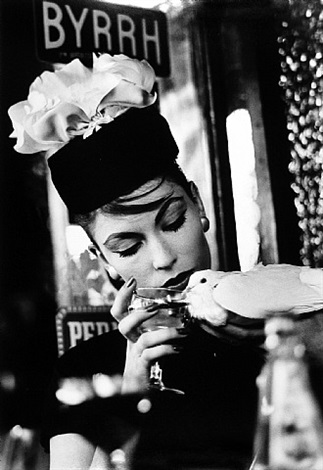 mary + dove at cafe, paris (vogue) by william klein