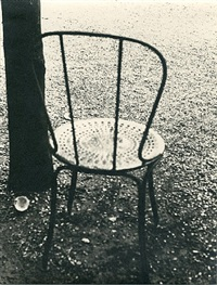arbre et chaise aux champs elysees by ilse bing