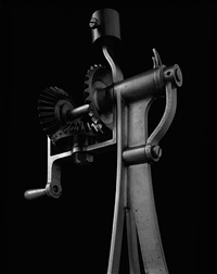 mechanical form 0033 by hiroshi sugimoto