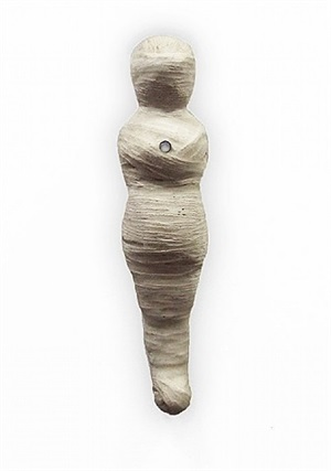 mummy 15 (white wrap) by e.v. day
