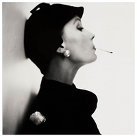velvet helmet hat (sue jenks), new york, 1949 by irving penn