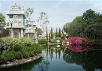 pond. anaheim, california by thomas struth