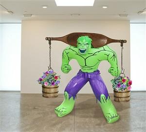 hulk (yoke) by jeff koons