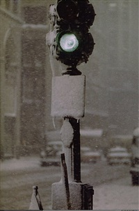 green light against gray by saul leiter