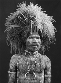 performer of the singsing festival of mount hagen.western highlands province. papua new guinea. by sebastião salgado