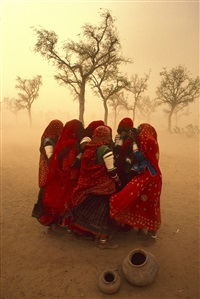 dust storm, rajasthan, india by steve mccurry