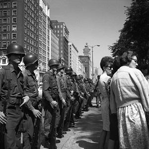 chicago (military line, civilians) by vivian maier