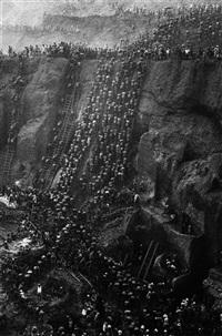 serra pelada, brazil, 1986 by sebastião salgado