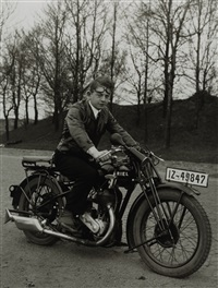 junger  photograph  (gunther  sander) by august sander