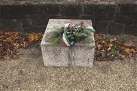 on translation : cimitero, budapest by antoni muntadas