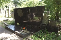 on translation : cimitero, moscow by antoni muntadas