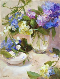 sweet pea and hydrangea by kathy anderson