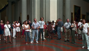 audience 5 (galleria dell´accademia) florenz by thomas struth
